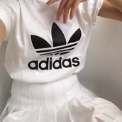 t-shirt,adidas,hipster,wihte,top,skirt,adidas t-shirt,white t-shirt,pleated skirt,white,adidas shirt,tumblr outfit,white skirt,white pleated