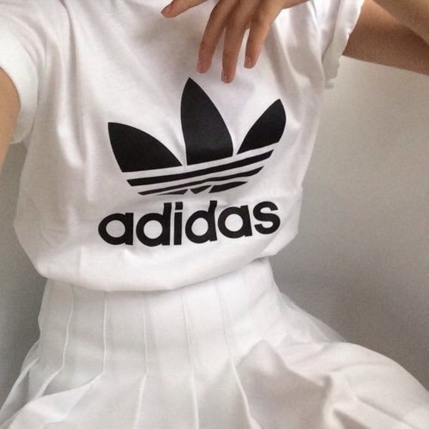 t-shirt adidas hipster wihte top skirt adidas t-shirt white t-shirt pleated skirt white adidas shirt tumblr outfit white skirt white pleated