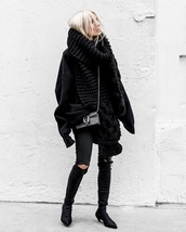 scarf,oversized scarf,black scarf,knitted scarf,black sweater,oversized,all black everything,black jeans,jeans,sweater,boots