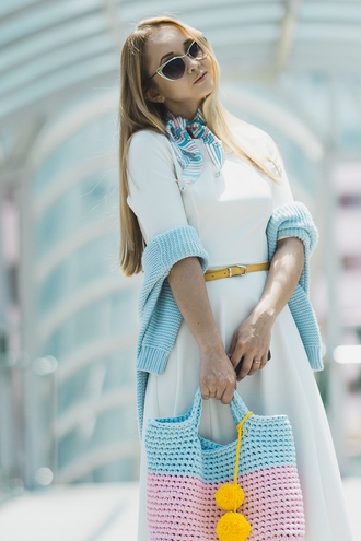 my blonde gal blogger dress bag sweater shoes scarf sunglasses