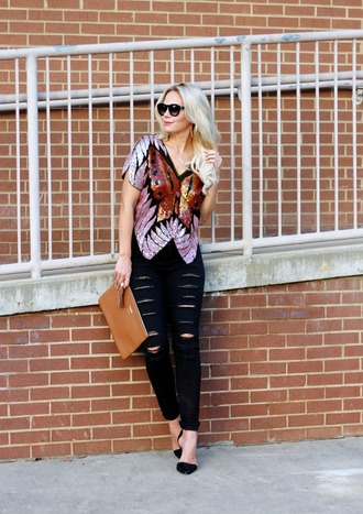b soup blogger top jeans sunglasses jewels bag sequin shirt sequins pouch brown bag black sunglasses ripped jeans black ripped jeans black jeans