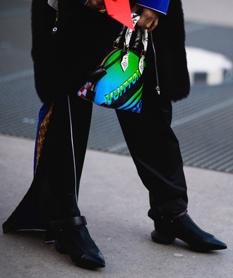 shoes printed bag tumblr black boots pointed boots pants black pants slit pants bag fashion week 2017 streetstyle