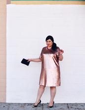 jay miranda,blogger,curvy,sequin dress,pink dress,dress,shoes,bag,plus size,plus size dress,sequins