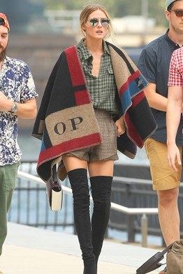Olivia Palermo - Personalised Burberry poncho blanket - Celebs