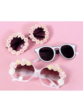 sunglasses,flowers,eyewear,white,black,pink,gold,silver,cute,flower sunglasses,cartoon sunglasses,cartoon,pink flowers,floral,plastic,glasses,sun,white sunglasses,black sunglasses,cool,cute sunglasses,vintage sunglasses,tumblr sunglasses,tumblr,tumblr glasses,tumblr theme,cute tumblr,tumblr girl