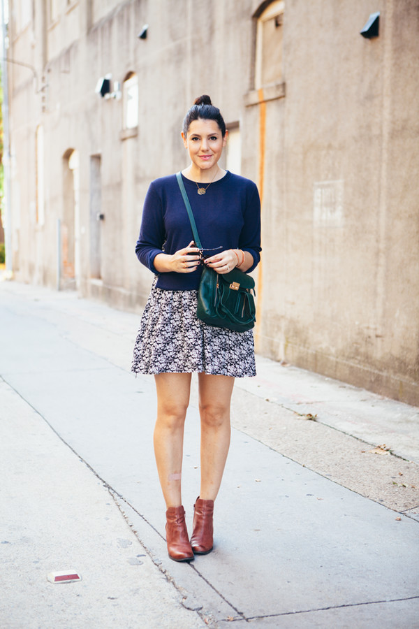 kendi everyday blogger bag jewels sunglasses