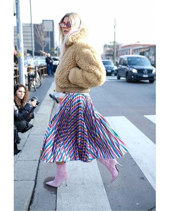 shoes pink boots midi skirt camel boots multicolor skirt jacket bomber jacket fuzzy jacket streetstyle