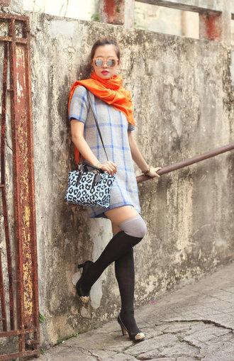 mellow mayo blogger sunglasses scarf shift dress leopard print shoulder bag knee high socks checkered dress bag shoes