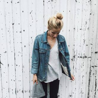 jacket tumblr tumblr outfit denim jacket blue jacket t-shirt grey t-shirt black jeans jeans beanie grey beanie jewels jewelry necklace