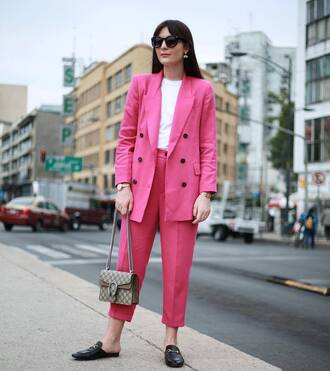 pants tumblr sunglasses cropped pants pink pants blazer pink blazer matching set power suit office outfits work outfits shoes black shoes bag chain bag t-shirt white t-shirt