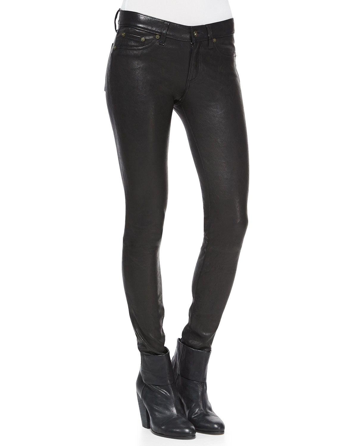 The skinny leather pants