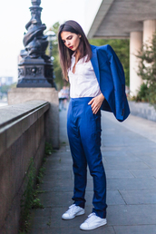 the golden diamonds,blogger,tailoring,sneakers,office outfits