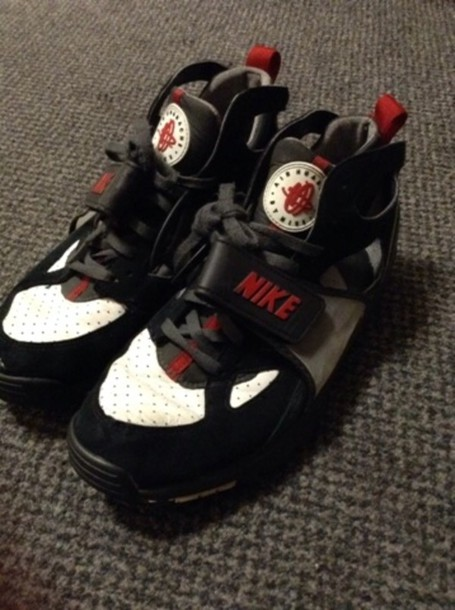 multiple colors d71c4 9f886 shoes nike huarache huarache huarache black and white red trainers sneakers  old skool vintage trainers vintage