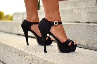 shoes heels black black and gold high heels