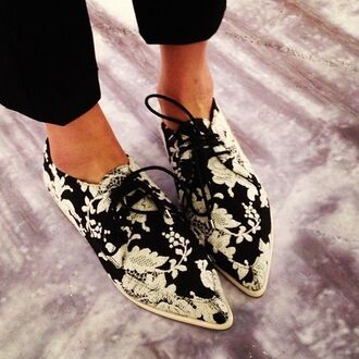 shoes fashion lace black and white point brogues flats shoes