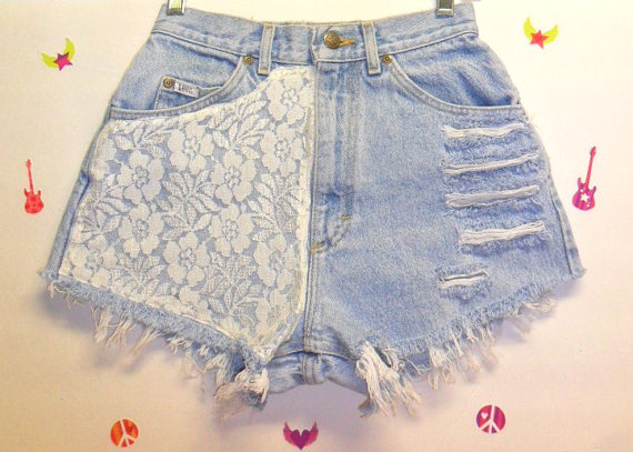 Vintage High Waisted Denim Shorts  &   par GypsysTreasureCove