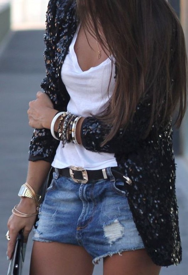 jacket black black jacket sequins sparkle shawl dress coat outfit shorts denim black blazer blazer t-shirt white t-shirt vest black sequin t-shirt white jewels watch gold watch gold bracelet bracelets necklace stylish sweater sequin cardigan sequin jacket sequins black sparkle cardigan sparkle shin skirt