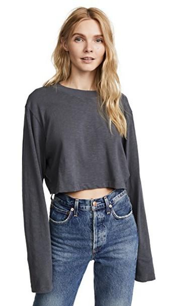 long light grey top