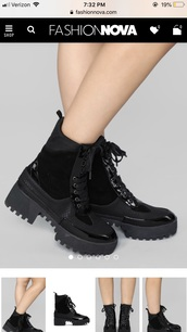 shoes,black boots,combat boots,ankle boots