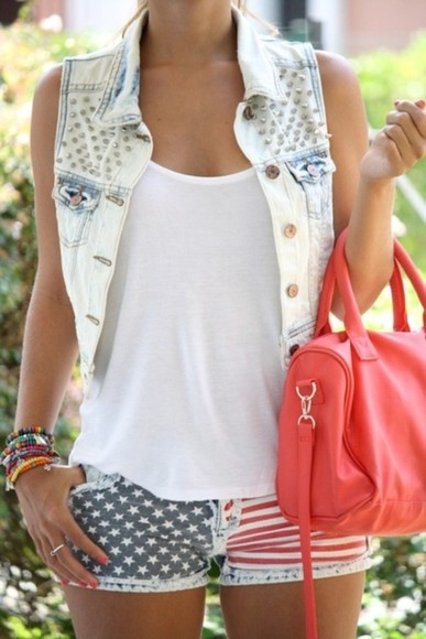 red bag bag purse summer jacket girl beautiful shorts shirt t-shirt woman outfit look clothes fashion