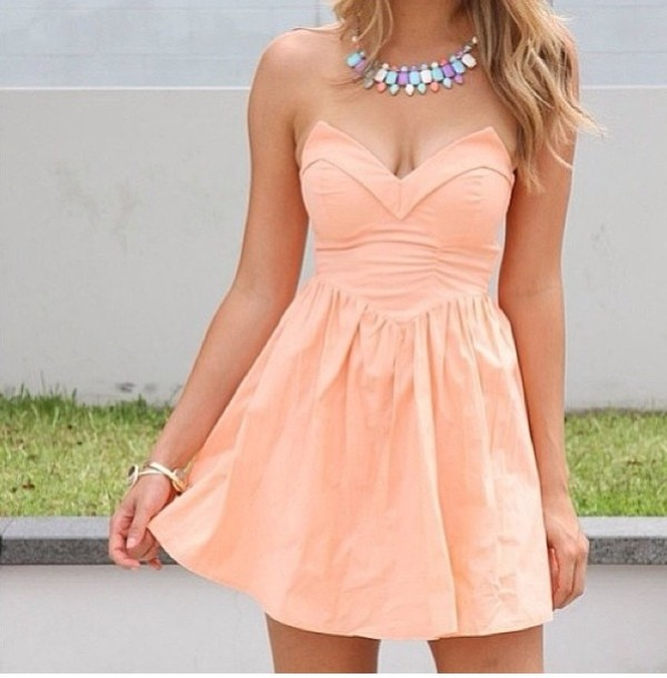 dress pink dress dress pink strapless hippie orange cute dress coral necklace summer strapless dress summer dress pretty in pink jewels peach dress sleeveless dress coral dress party party dress short dress colorful birthday dress