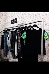 t-shirt,black t-shirt,green,pant printings,shirt,green sleeves,black shirt,black,blac,top,cute,t shirt with rolled sleeves,green dress,palmier,palm tree print,black top,rack,shopping,on point,on point clothing,front,sweatshirt,color/pattern