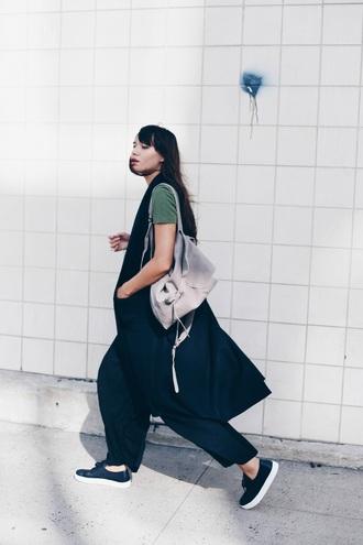 natalie off duty blogger grey bag sleeveless coat minimalist