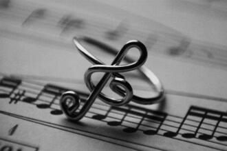 jewels music ring jewls jewelry g clef paper metal noye note*