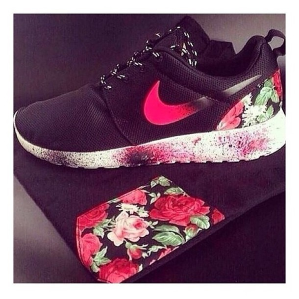 81293ef14b546 shoes these shoes are nike with roses floral black women nike nike roshes  floral