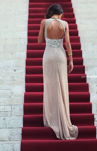 dress formal dress long sequin gold sequin elegant open backk  keyhole prom wedding sparkle sequin sequins sequin dress glitter open back beige champagne dress long dress prom dress luxury red carpet dress silver style sweep train dresses weheartit