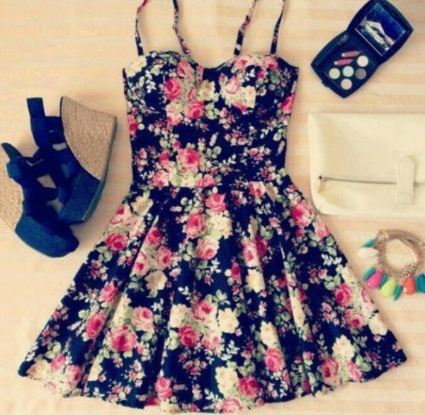 dress floral clothes floral wedges cute bustier shoes cute dress floral dress black dress floral pattern flowers cute floral dress fashion spring floral skater spring outfits green flowers roses girly sundress flowered shorts skater dress black pink white make-up white purse blue wedges bracelets skater black dress cute bag flower spaghetti strap dress summer dress autumn/winter vintage outfit date outfit kawaii tumblr lovely