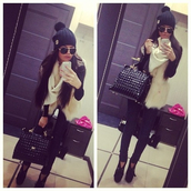 hat,tote bag,scarf,heels,booties,swag,stylish,classy,jacket,beanie,pom pom beanie,sunglasses,bag
