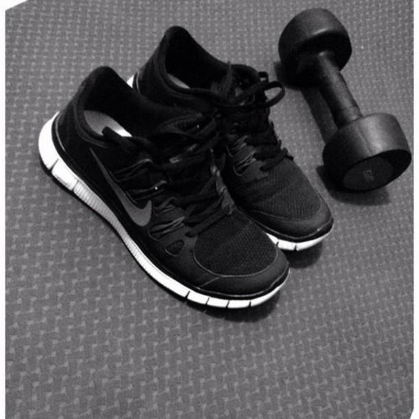 shoes black and white nike flex