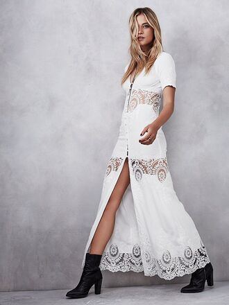 dress white dress lace dress white lace white maxi button up maxi button up dress boho beach button up boho chic bohemian bohemian dress maxi dress summer summer dress summer outfits hippie hippie chic hippie dress classy classy dress beach dress white lace dress trendy