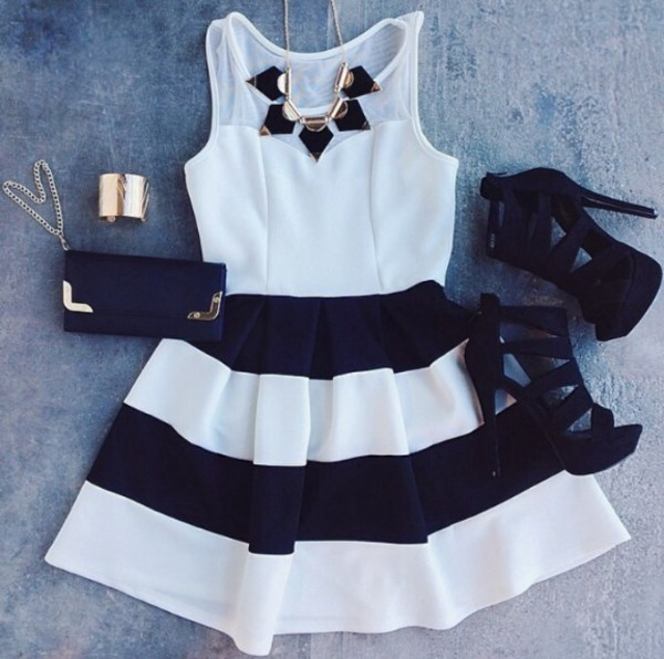 skirt black and white stripes skater dress shoes black and necklace sexy black heels clothes dress black and white dress white purse bracelets girly jewels black dress white dress striped dress jewelry bag summer dress black and white dress cute dress fashion