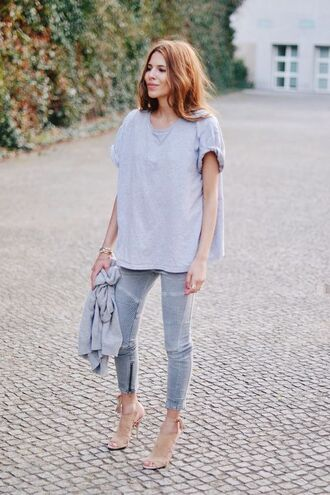 jeans all grey outfit all grey everything grey jeans t-shirt grey t-shirt top high heel sandals sandals nude sandals summer outfits cardigan grey cardigan