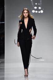 pants,blazer,suit,gigi hadid,model,runway,haute couture,fashion week,sandals,black,fashion week 2016