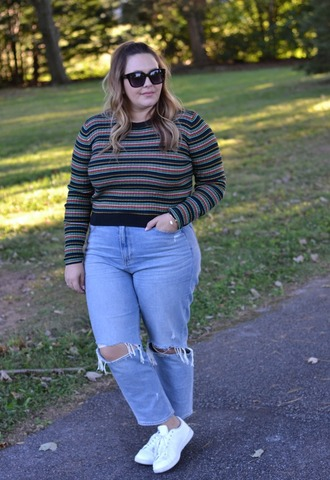 mommyinheels blogger top jeans shoes fall outfits plus size sneakers