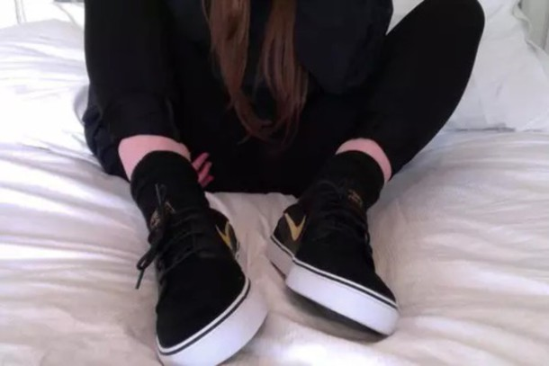 shoes black shoes black skater skater shoes nike sneakers gold gold nike  gold swoosh cute shoes
