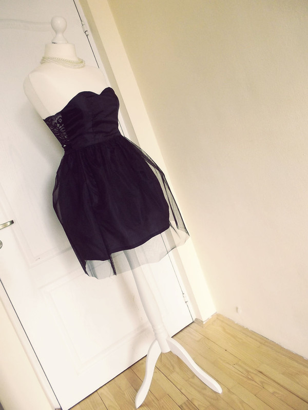 dress sweetheart dress little black dress bralette bralette top tutu dress tulle skirt tulle skirt tulle dress black top tule skirt corset top