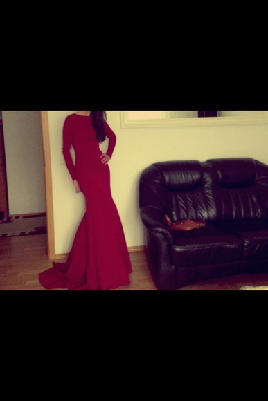 red dress long long-sleeved tight dress
