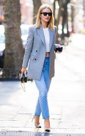 top,jeans,denim,pumps,blazer,rosie huntington-whiteley,crop tops,streetstyle,model off-duty,sunglasses,spring outfits,shoes