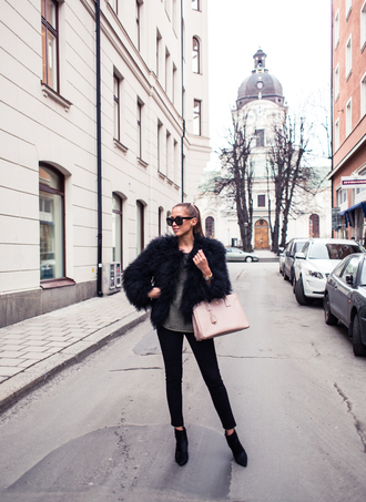kenza blogger fluffy black jacket pink bag black jeans jeans sweater jacket shoes sunglasses bag jewels