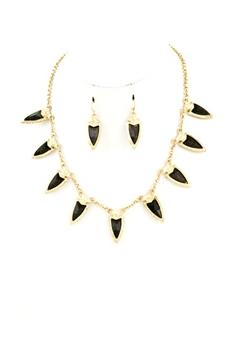 Black Dag Necklace