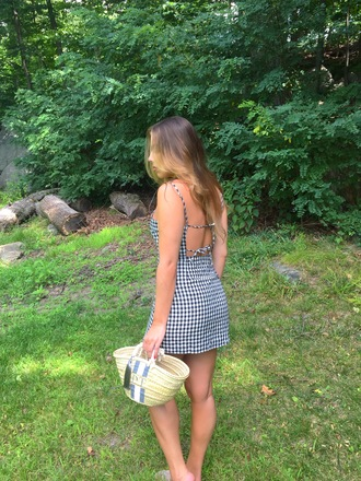 dress open back open back dresses gingham sexy dress basket bag date outfit tote bag blogger blogger style mini dress
