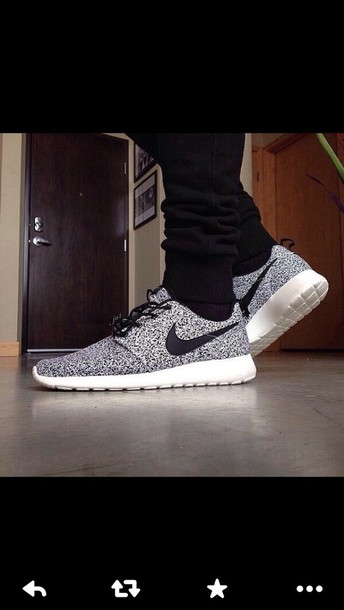 nike roshe run, shoes, menswear, black, white, running, nike