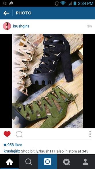 shoes strap heels strapped heels strapped shoes white strapped heels black strapped heels green strapped heels chunky heels roman strap roman shoe open toe heel black shoe white shoe green shoe
