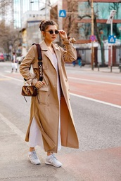 coat,long coat,camel coat,pants,white pants,sneakers,bag,sunglasses,round sunglasses,trench coat,new balance