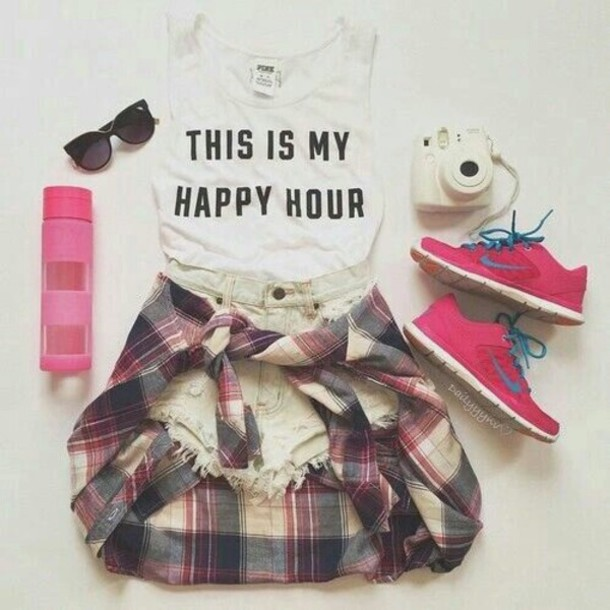 shirt white home accessory the fashion fraction leggings shorts sweater shoes hair accessory white top this is my happy hour crop tops white crop tops blouse top