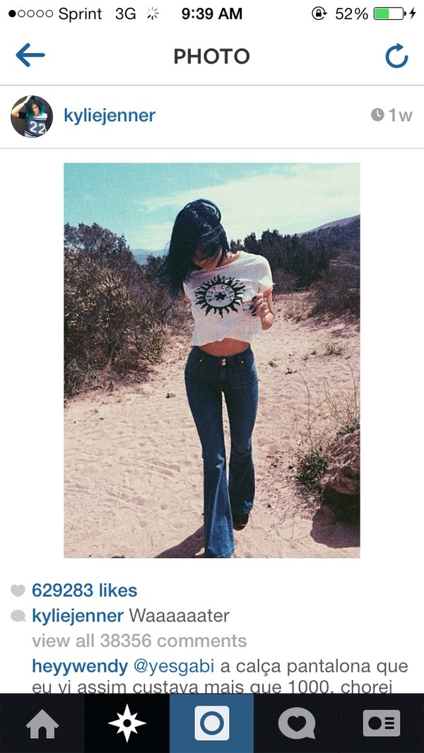 jeans shirt bell bottoms flare vintage t-shirt kylie jenner t-shirt high waisted bell bottoms